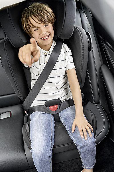 autosedacka-kidfix-iii-m-chrani-deti-proti-celnimu-i-bocnimu-narazu-specialnimi-bezpecnostnimi-prvky_.jpg