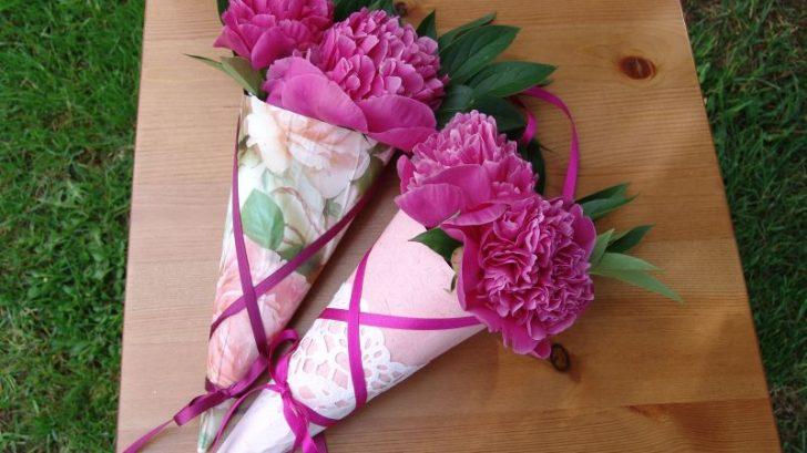 vyrobte_si_ozdobne_kornuty_na_kvetiny-728x409.jpg