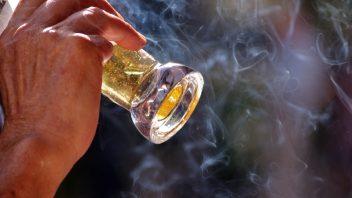 fajcit_cigarety_alkohol_pivo_fajcenie_istock_000021876478small-352x198.jpg