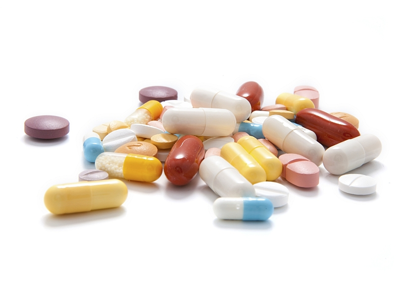 tablety_prasky_vitaminy_drogy_istock_000020695792medium.jpg