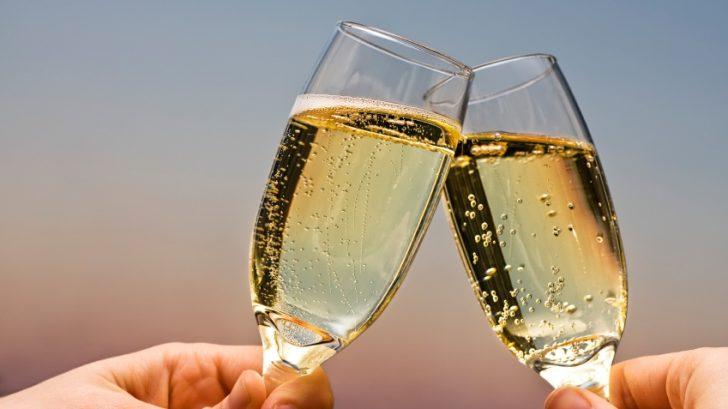vino_pripitok_alkohol_istock_000006923683small-728x409.jpg