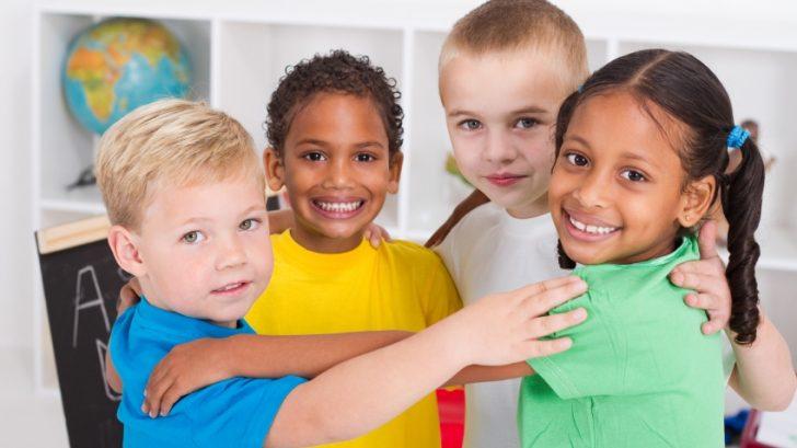 deti-skolka-kamarati-kamaratstvo-priatelia-istock_000014215191-728x409.jpg