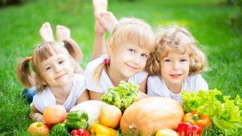 deti-zelenina-ovocie-zdravie-vitaminy-istock_000023041888-352x198.jpg