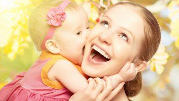 dieta-matka-bozk-stastie-laska-sepot_stock_000027792862-352x198.jpg