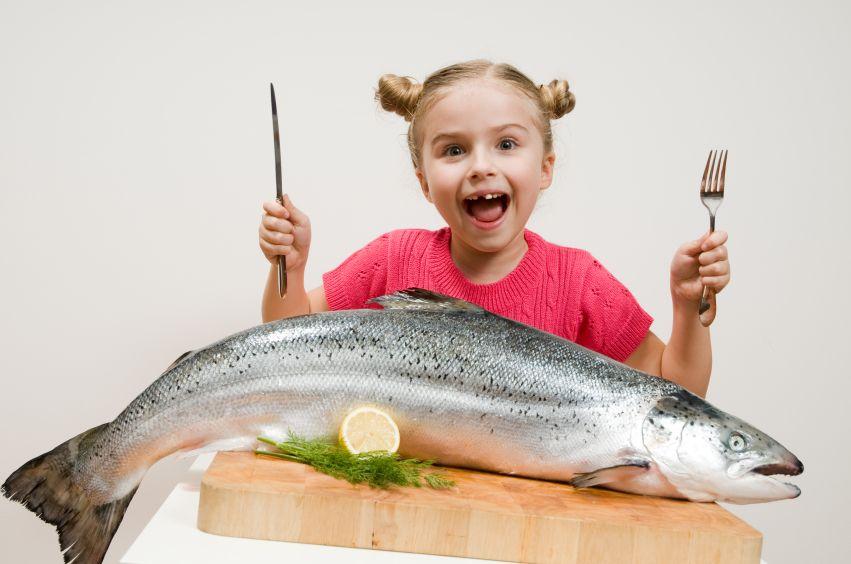 dieta-ryba-jedlo-strava-zdrava-dievca-istock_000015241532.jpg