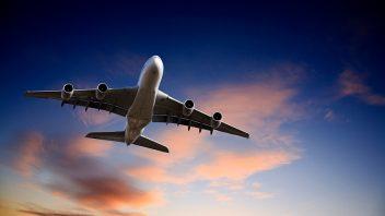 lietadlo-lietanie-cestovanie-istock_0000140844441-352x198.jpg