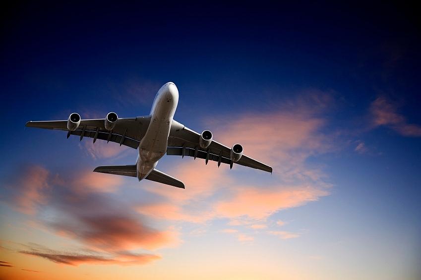 lietadlo-lietanie-cestovanie-istock_0000140844441.jpg