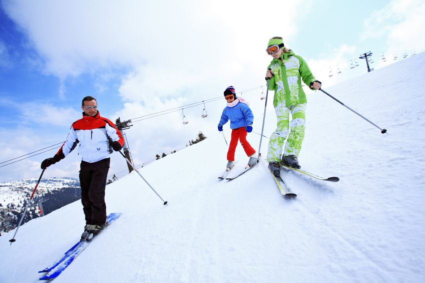 rodina-dieta-sport-lyzovanie-hory-aktivity-istock_000007908584.jpg