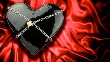 srdce-laska-sado-cervena-cierna-istock_000015465251-352x198.jpg