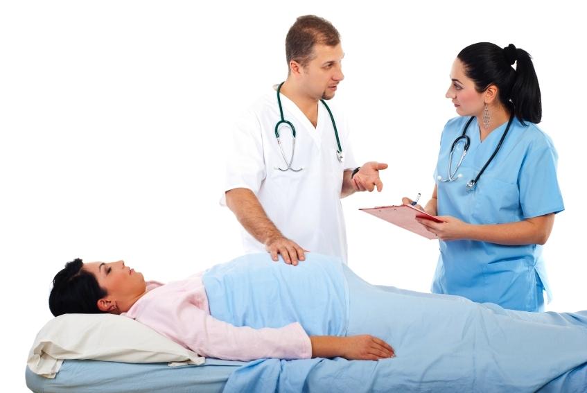 tehotna-lekar-sestra-vysetrenie_istock_000015489322.jpg