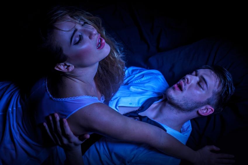 zena-muz-par-sex-orgazmus-vzrusenie-istock_000022895981.jpg